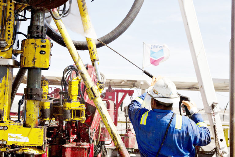 U.S extends Chevron's stay in Venezuela to mid-2021
